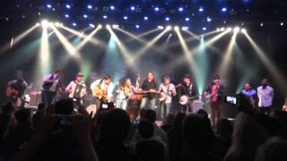 Mumford & Sons - Wagon Wheel with Jerry Douglas on Dobro & Old Crow Medicine Show (unplugged)