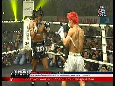 Nishikawa - Buakaw Por Pramuk (black) vs Nishikawa Tomoyuki (white) at 154lbs. Thai Fight 2012 semi final from Korat Chatchai Hall, Nakhon Ratchasima on the 25th Novembe...