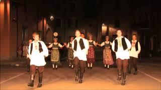 Festival Internazionale Giovani presentato da Carlo Devoti a Bettola PC . Presenti gruppi di Sarajevo- Bosnia Erzegovina...