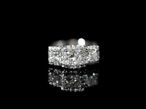 Lady's Platinum Diamond Ring