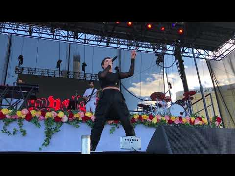 Video Halsey - Bad At Love - iHeart Music Festival Las Vegas 2017 download in MP3, 3GP, MP4, WEBM, AVI, FLV January 2017