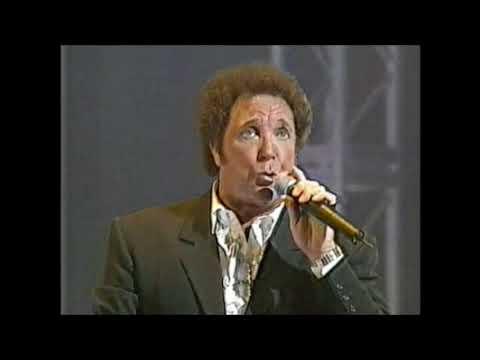Tom Jones - (The Royal Variety Performance) 1997