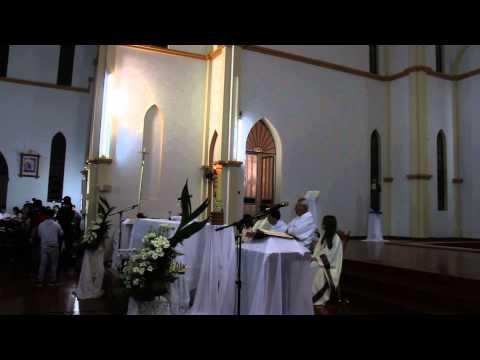 canto em homenagem ao menino BERNARDO   MISSA em Tres passos RS, no DOMINGO de PÁSCOA, 1