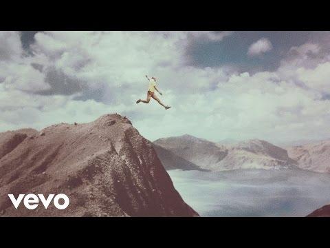La Vida - Calle 13 (Video)