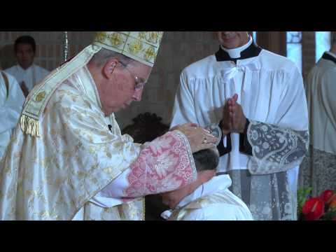 Un maestro y un auditor, nuevos sacerdotes
