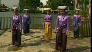 Posni Uhurmai Rege-2.mp4