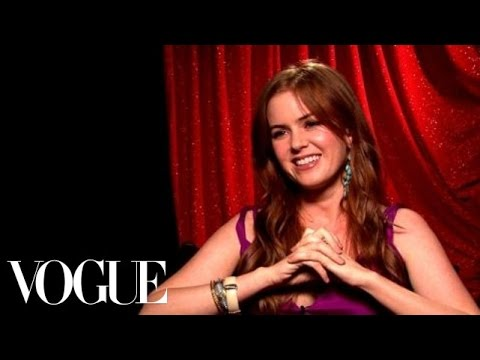 Confessions of a Shopaholic Star Isla Fisher's Wardrobe Malfunction