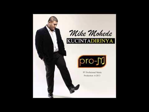 Video Mike Mohede - Kucinta Dirinya (Official Lyric Video) download in MP3, 3GP, MP4, WEBM, AVI, FLV January 2017
