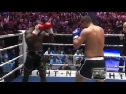 Gokhan Saki vs Melvin Manhoef at Its Showtime 2010 Amsterdam May 29 2010