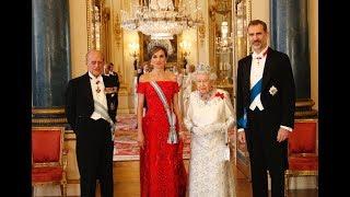Sus Majestades los Reyes realizaron un Viaje de Estado a Reino Unido entre los días 11 y 14 de julio de 2017, con el objetivo de estrechar las relaciones entre Reino Unido y España.Más información: http://www.casareal.es/ES/Actividades/Paginas/actividades_viajes_detalle.aspx?data=811