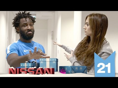 Video: BONY TEACHES DANCING | Man City Advent 2015 | Day 21