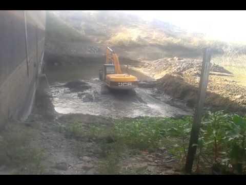 Cabana Ferreira limpeza de barragem em venturosa