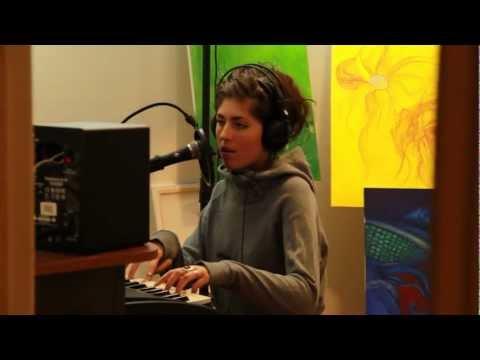 "David Guetta  ""Titanium"" feat. Sia Cover by Julia Westlin"