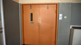 Lillestrom Norway  City pictures : AMAZING 1950s Wisbech single-speed traction freight elevator @ Nittedalsgata 1B, Lillestrøm, Norway