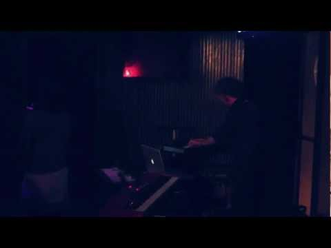 The sound is a bit crap but i like the tune: @SynthXndrHarris & @novaruth @STUDIOtilburg / @incubate #incu12 [video]