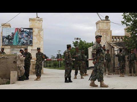 Νεκροί και τραυματίες από επίθεση σε στρατιωτική βάση