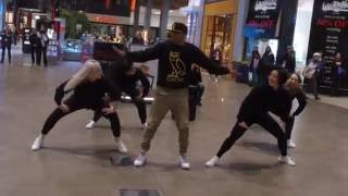 Video DRAKE fan's Wedding Proposal TRY NOT TO CRY!!! Flash mob MP3, 3GP, MP4, WEBM, AVI, FLV Agustus 2018