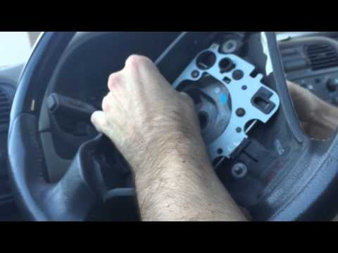 2003 Volvo S40 / V40 - Steering Wheel Replacement and/or Airbag Removal