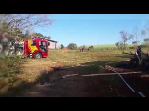 Incêndio destrói casas no interior de Bom Jesus do Sul