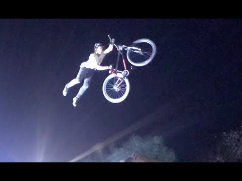 THE NIGHT HARVEST MTB / BMX DIRT JUMP COMPETITION SOUTH AFRICA 2018!!! (видео)