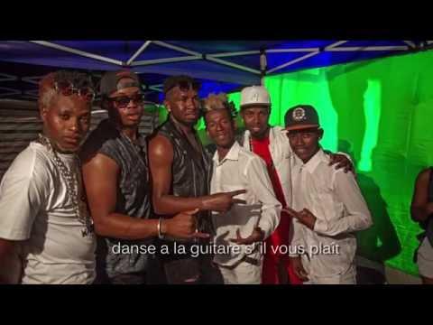 Video Papou ft Jazz Mmc ft Afro Style_Elle est jolie_( Lyrics ) download in MP3, 3GP, MP4, WEBM, AVI, FLV January 2017