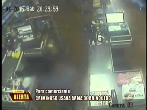 Criminoso usava arma de brinquedo para assaltar em Bueno Brandão