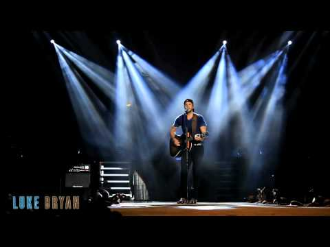 Dirt Road Diary – Live from the Luke Bryan Farm Tour 2012