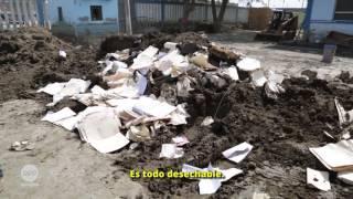 El hospital Pedro Tapia Marcelo fue una de las instituciones públicas afectadas por los huaicos de este año en Huarmey hace tres meses. Hoy los trabajos de limpieza continúan y los pacientes de gravedad tienen que viajar dos horas hasta Chimbote para ser atendidos.