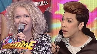 Video It's Showtime: Vice Ganda talks to a German lady MP3, 3GP, MP4, WEBM, AVI, FLV Maret 2019