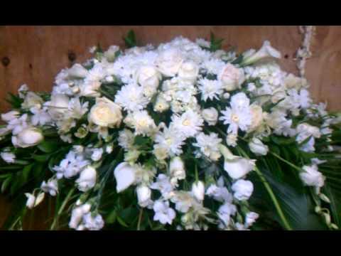 Funeral sympathy flowers decoration brooklyn. Ny