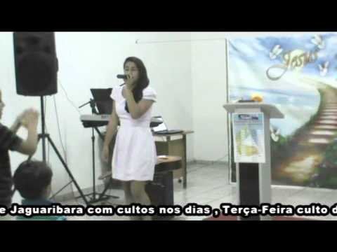 Cantora Kely Barros na inauguração da mais nova igreja em jaguaribara dia 14 de Dezembro de 2013