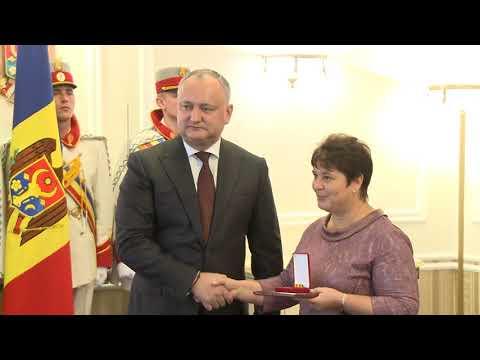 Igor Dodon a înmînat înalte distincții de stat și 141 de Diplome de Onoare ale Președintelui Republicii Moldova