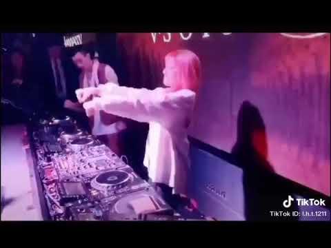 美女 DJ