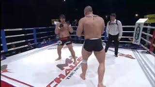 Mały Rosjanin vs ogromny Polak. Mocne spotkanie w ringu