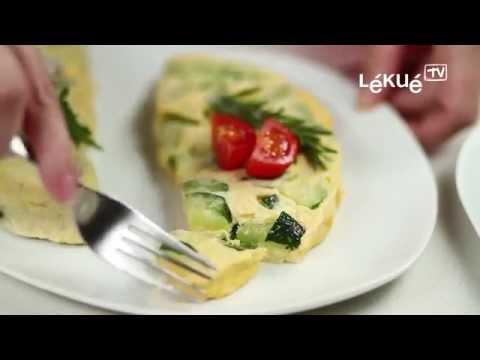 <p>Lav nemt og hurtigt din omelet i mikroovnen med den smarte omeltform fra Lékué.</p>