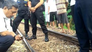 Video Nyariss Anjlok!! Penyelamatan KA Serayu Pagi oleh Warga Sekitar yang mengalami Putus Rel MP3, 3GP, MP4, WEBM, AVI, FLV Juni 2019