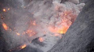 Nonton Spectacular volcanic eruption at Batu Tara volcano, Indonesia Film Subtitle Indonesia Streaming Movie Download