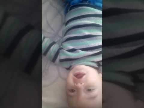 Дитина починає говорити