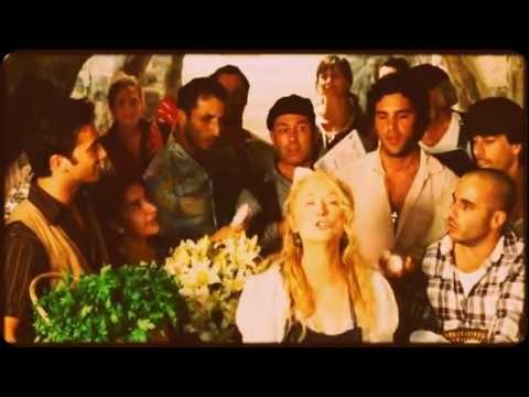 Tekst piosenki Meryl Streep, Julie Walters and Christine Baranski - Money, Money, Money po polsku