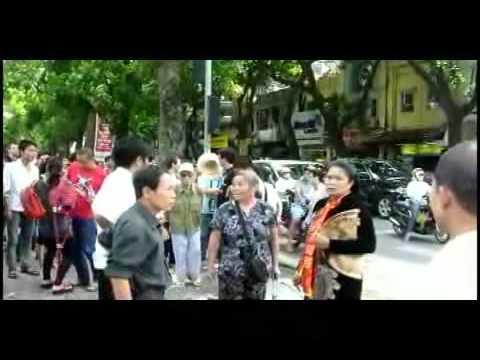 Chị Bùi Thị Minh Hằng bị CA cướp nón & bắt cóc mất tích