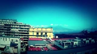 Timelapse - Vesuvio tra nuvole e mare