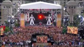 Уникален флашмоб с Black Eyed Peas - I Gotta Feeling!!!