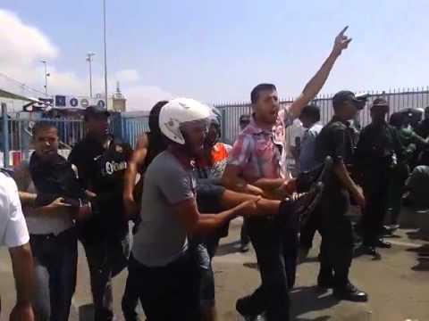 خطيرْ: بالفيديُو قتيلٌ مغْربي في مواجهاتْ ببابْ سبتَة معَ الشُّرطة الإسبَانيّة