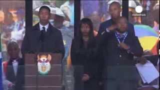 Historic fake: Sign language interpreter at Mandela memorial a 'Fraud'