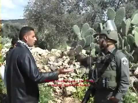 حوار بين شاب فلسطيني وبين جندي اسرائيلي من اصل عربي