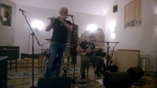 Video Ukulele Jack a Dušan Pouzar - Poštolka (live in Cafe Trilobit)