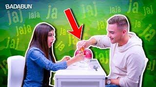 Si te ríes pierdes | YouTubers VS Helio