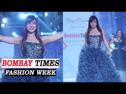 Benafsha Soonawalla Showstopper For Designer Sheshank and Pinky At Bombay Times Fashion Week