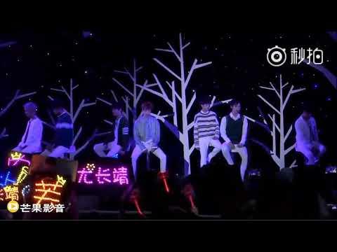 """180524 小清新节香蕉娱乐Trainee 18演唱 """"让世界毁灭"""""""