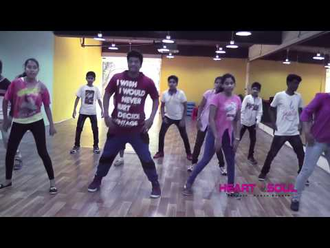 Video Neethoney Dance Tonight Dhruva Song Amazing Dance Video I Ramcharan I Rakul preet singh I download in MP3, 3GP, MP4, WEBM, AVI, FLV January 2017